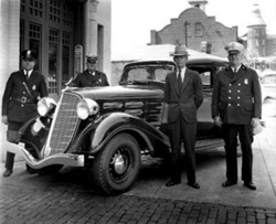 NYPD photo, black and white; old photo of the New York Police Department, circa 1920-1930; New York's Finest