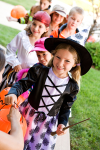 trick or treat; kids trick or treating on halloween