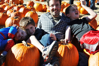 Mark DiMassimo and his sons; cofounder of Offlining, Inc.
