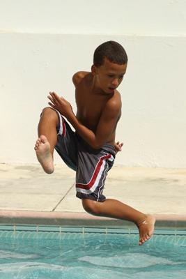 child swimmer, diver