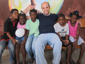 Dr. Gregory Mokotoff treats children in Haiti