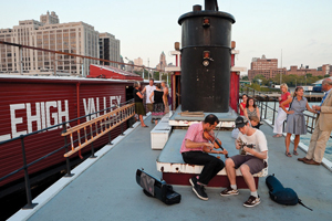 Clearwater barge, Brooklyn