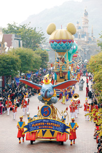 flights of fantasy parade hong kong disneyland resort