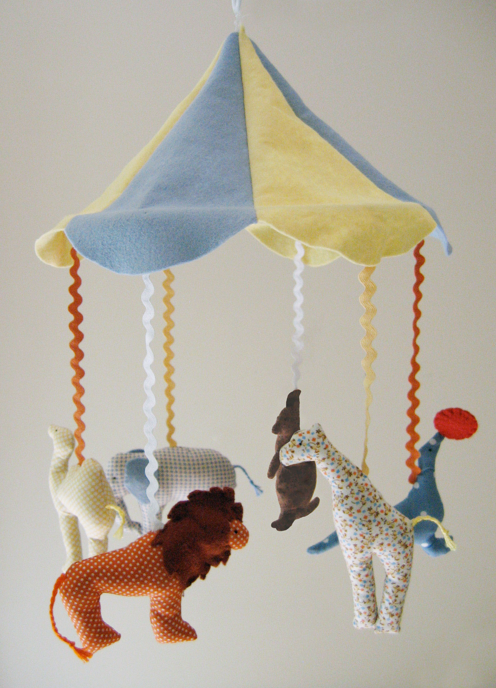 circus-mobile