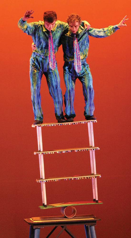 Cirque Le Masque's Noel