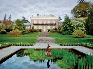 Bartow-Pell Mansion Museum garden