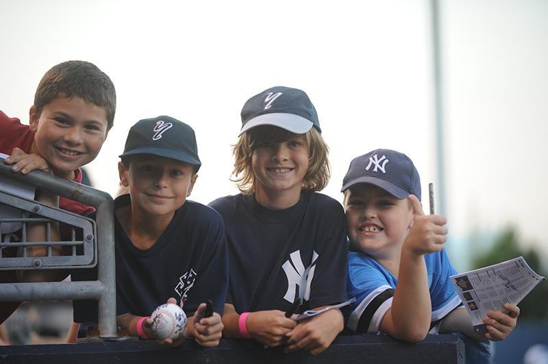 yankees fans kids