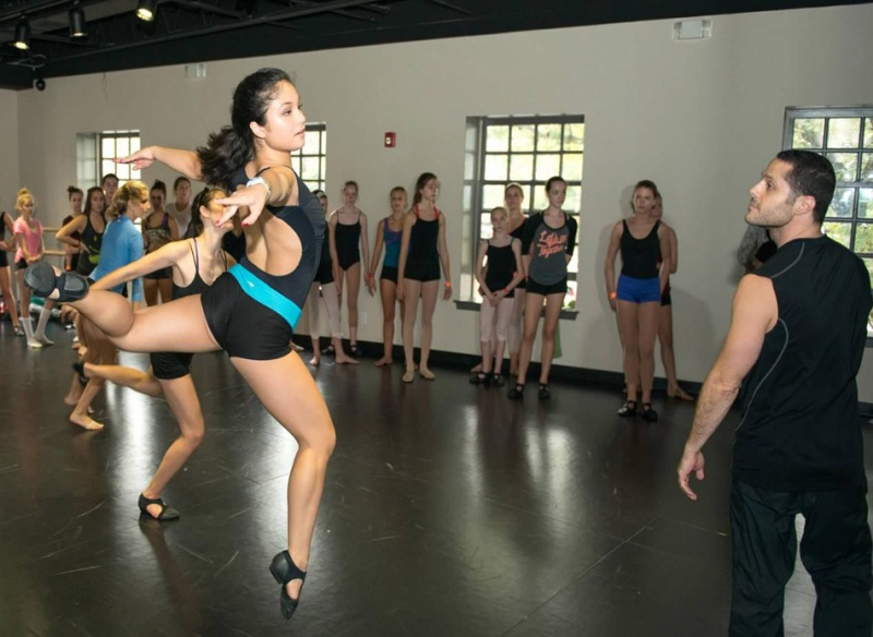 <a href='http://nymetroparents.com/listing/Flash-Pointe-Dance-68647'>Flash Pointe Dance</a> Studio grand opening