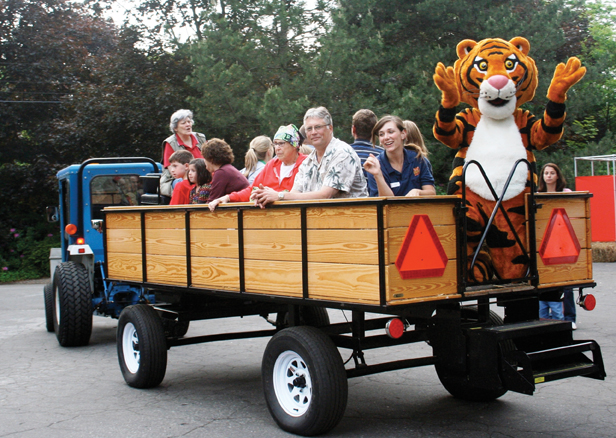 harvest hayride at beardsley zoo