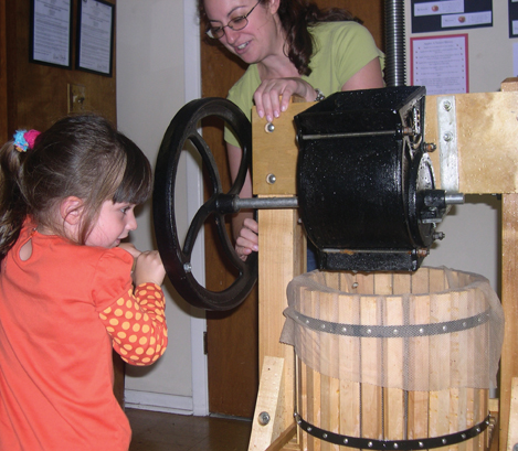 apple cider press at tenafly nature center