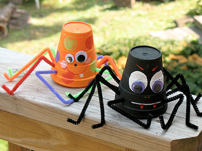 paper cup spiders craft