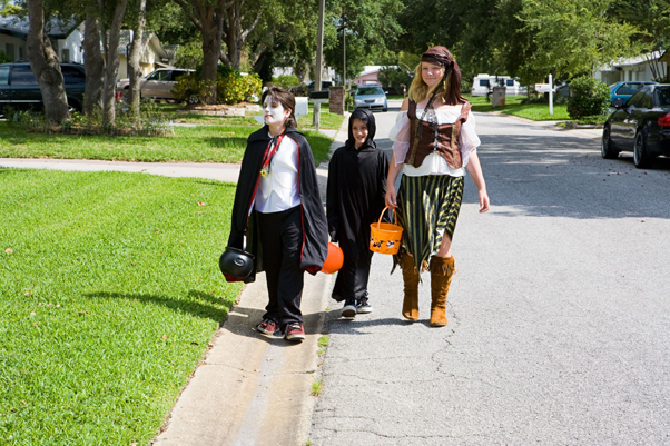 tweens trick-or-treating