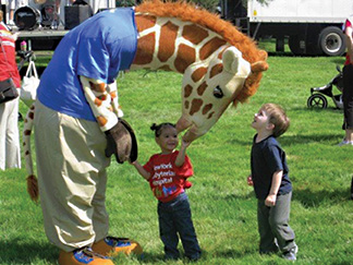 geoffery the giraffe autism speaks walk
