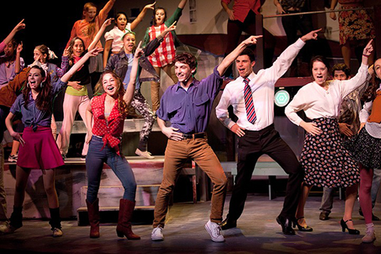teens production of Footloose