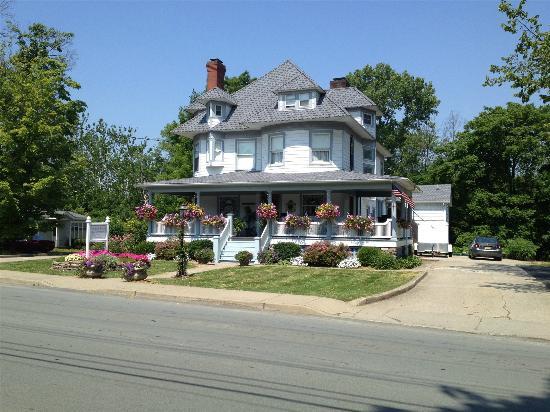 pine bush house